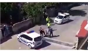 Evlerinin önünde oturan yurttaşlar, çok sayıda polis tarafından darbedildi!