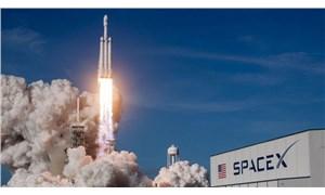 SpaceX'in ilk insanlı uzay mekiği denemesi hava koşulları nedeniyle ertelendi
