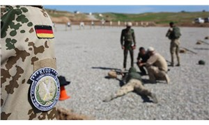 """""""Almanya'da aşırı sağcı askerleri ordudan atmak için yasa değişikliği yapılabilir"""""""