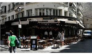 Fransa normalleşme sürecinde yeni adım attı: Kafe, bar ve restoranlar açıldı