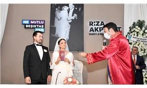 Beşiktaş Belediye Başkanı Rıza Akpolat yeni dönemin ilk nikahlarını kıydı