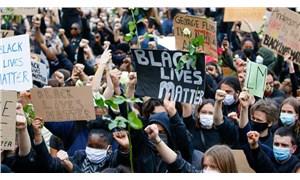 Belçika'da ırkçılık karşıtı gösteride gözaltına alınan beyaz ve siyahlar otobüslerde ayrıldı!