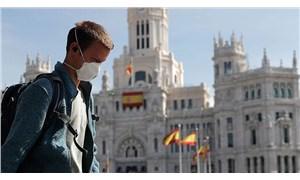 İspanya'da salgın kalıcı olarak sona erene kadar maske takmak zorunlu olacak