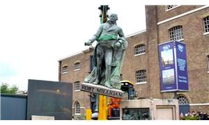 İngiltere'de bir köle tacirinin daha heykeli söküldü