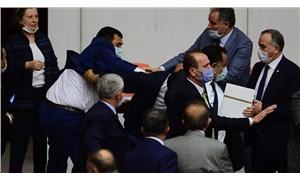 CHP'li Özel'e saldıran MHP'li Kılavuz'un etkisiz hale getirildiği anlar