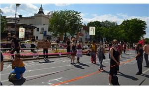 Sosyal adaletsizlik ve ırkçılığa karşı 9 kilometrelik insan zinciri