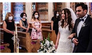Sosyal mesafeli, maskeli ilk kilise düğünü yapıldı