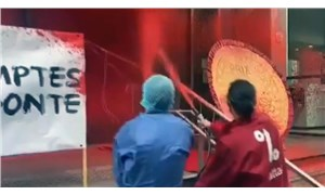 Fransa'da Sağlık Bakanlığı'na boyalı protesto