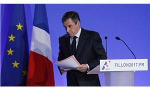 Ailesine sahte kadro açıp yüzbinlerce avro maaş ödeten eski Fransa Başbakanı'na hapis cezası