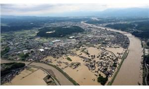Japonya'daki selde yaşamını yitirenlerin sayısı 7'ye yükseldi