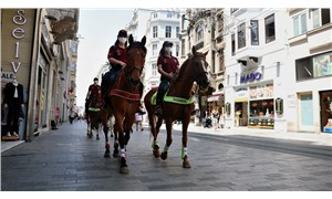 Taksim'de atlı polislerle denetim