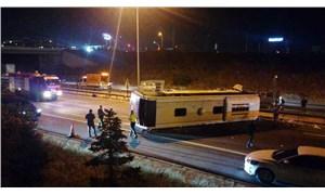 TEM'de büyük kaza: Metro'nun otobüsü devrildi, 1 kişi öldü