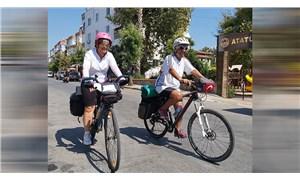 Meme kanserine dikkat çekmek için Mersin'den Alanya'ya pedal çevirdiler