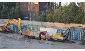 Ağrı'da sel felaketi: Çok sayıda işçi ölümden döndü