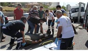 Kamyon, işçi servisine çarptı: 10 yaralı