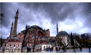 Mitrofanova: Ayasofya'nın cami olması yeni Osmanlı hırsıyla bağlantılı
