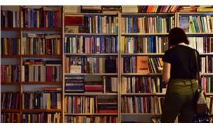 İzmir'de 'Askıda Kitap' kampanyası başladı