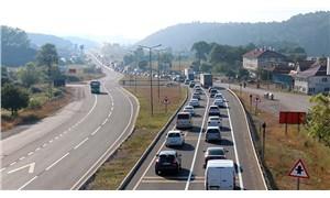 Yollarda bayram yoğunluğu: Trafik kilit