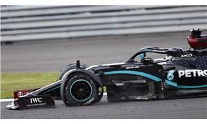 Üst üste üçüncü zafer: Lewis Hamilton patlak lastikle kazandı