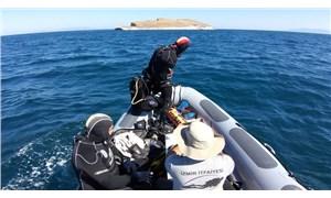 Dalgıçlar, Foça denizinde kaybolan Sarp'ı arıyor