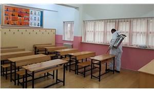 Prof. Dr. Ceyhan uyardı:Bilim Kurulu'nun okullarda 1 metre mesafe önerisi tehlikeli