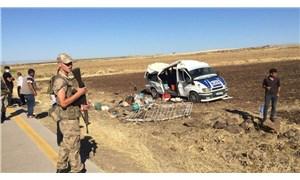 Urfa'da tarım işçilerini taşıyan minibüs devrildi: 1 ölü, 25 yaralı