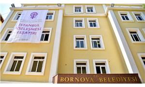 Bornova Belediyesi'ne 'İstanbul Sözleşmesi Yaşatır' pankartı