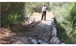 Defineciler,  Roma Dönemi'ne ait köprüyü tahrip etti