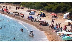 Bilim Kurulu Üyesi İlhan: 'Koronavirüs plajda, suda bulaşmaz' gibi yanlış bir algı var