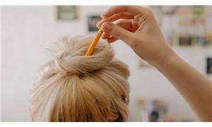 Saçı sıkı topuz yapmak kelliğe neden oluyor