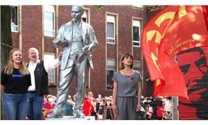 Almanya'da Lenin heykeline yönelik faşist saldırı püskürtüldü
