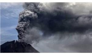 Sinabung Yanardağı'nda 3 kez patlama yaşandı