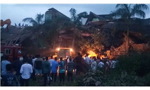 Hindistan'da 5 katlı bina çöktü: 60 kişi enkaz altında kaldı