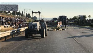 Manisa'da tarım işçilerini taşıyan traktöre minibüs çarptı: Ölü ve yaralılar var