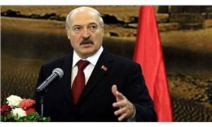 Lukaşenko'dan komşu ülkelere: Yaptırım neymiş onlara göstereceğiz