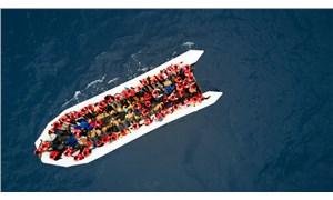İtalya açıklarında mültecileri taşıyan bot alev aldı: 3 kişi yaşamını yitirdi