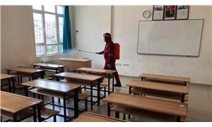 İzmir'de bir okul müdürü koronavirüse yakalandı ama okul kapatılmadı