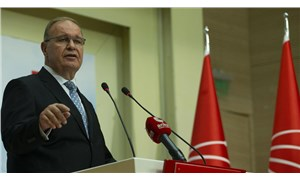 Öztrak: Uşşaki tarikatı lideri insan müsveddesi AKP protokolünde baş köşelerde