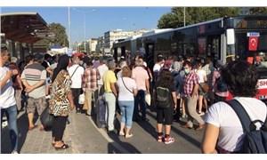 İzmir'de toplu ulaşımdaki yoğunluk tedirgin ediyor: Bu salgın böyle bitmez!