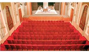 İzmir'de tiyatro sanatı için elele…