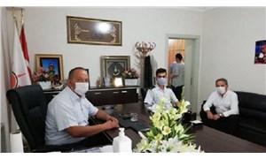 Jandarma komutanından AKP'ye 'hayırlı olsun' ziyareti!