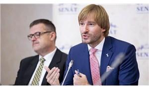Çekya'da koronavirüs vakaları arttı, Sağlık Bakanı istifa etti