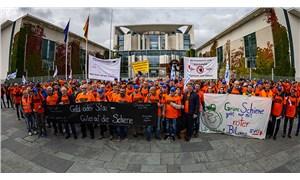 İşçiler hakları için grevde