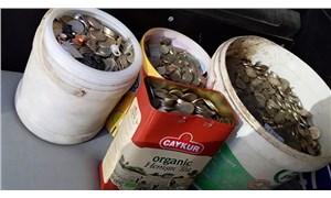 2 kamyon çöpün çıktığı evde 169 bin lira bulundu