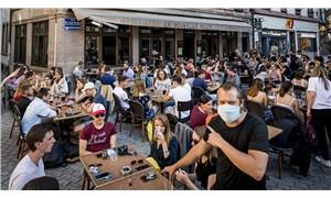 Fransa'da rekor: Bir günde 16 bin 96 yeni koronavirüs vakası