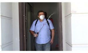 Devrimci Muhtar'dan dezenfekte dayanışması