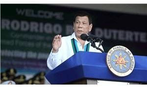 Duterte, sahte polis hesaplarının kapatılması üzerine Facebook'u tehdit etti