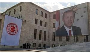 TBMM tarihinde bir ilk: Şeref Kapısı'na dev Erdoğan posteri!