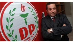 Mustafa Akıncı'yı destekleyeceğini ima eden Serdar Denktaş istifa etti
