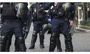 Fransa'da bıçaklı saldırgan polis tarafından vurularak öldürüldü